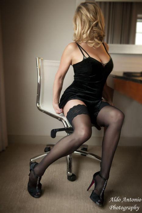 The Escort Review >> Sexy Sensual Petite Mature Playmate « Raleigh Escort List